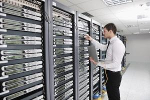 rack-room-servers-IT